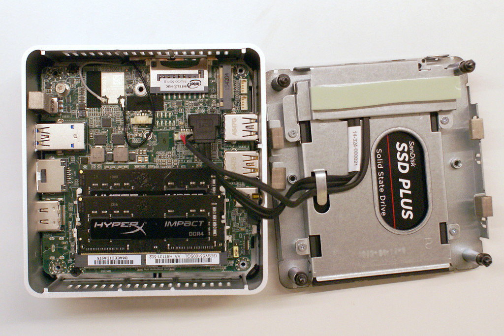 Skylake i5 NUC with components installed