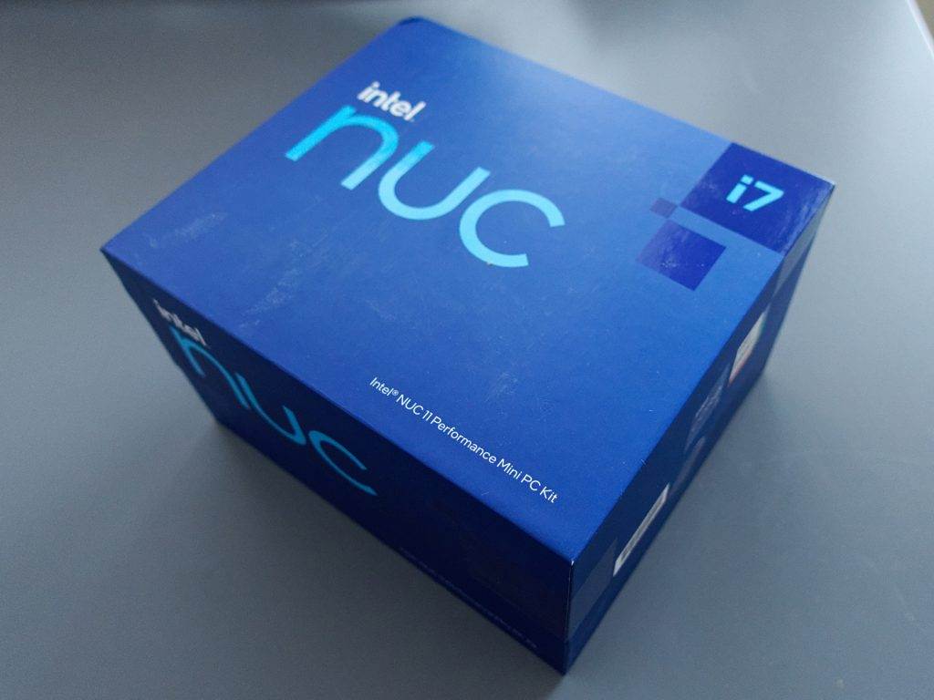 NUC11PAHi7 review: box