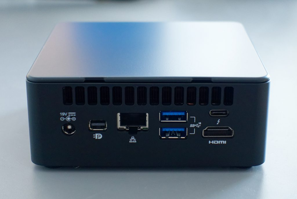Panther Canyon NUC review, rear of the NUC